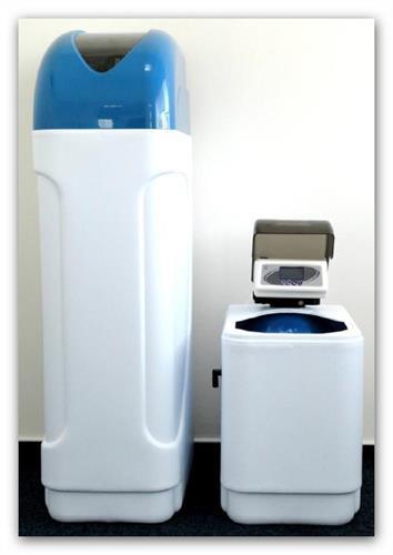 Automatický změkčovač vody kabinetní AZK4